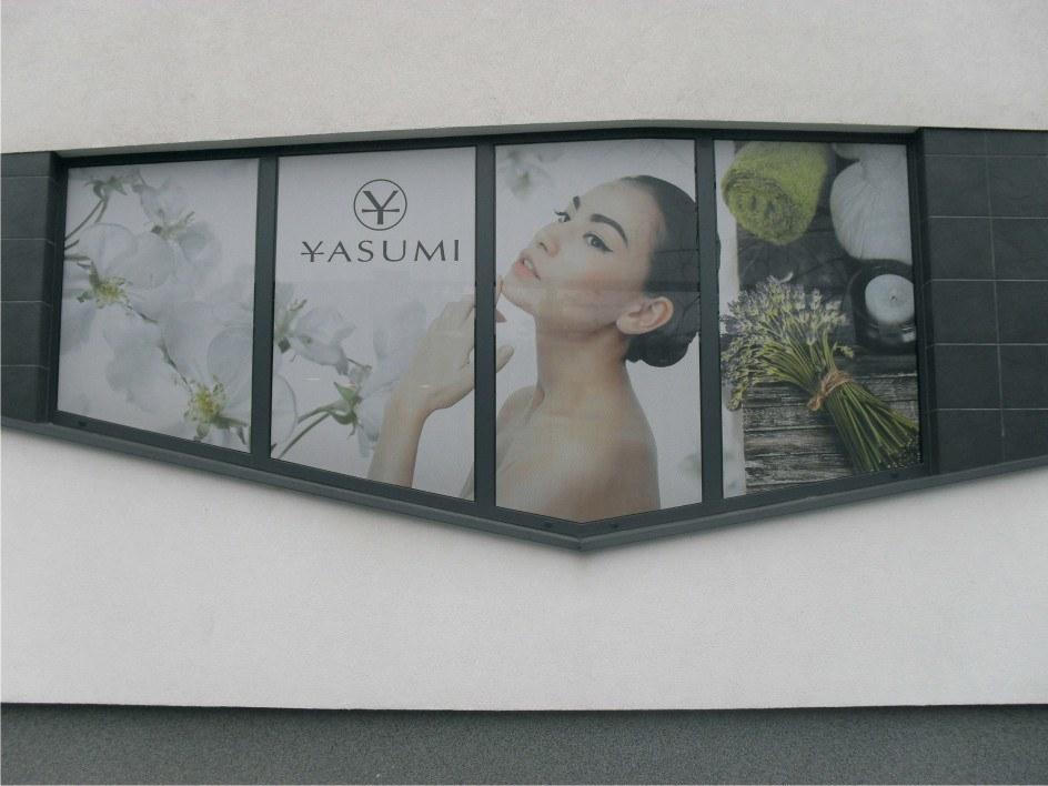 oklejona witryna yasumi